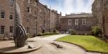 surgeons-hall-courtyard